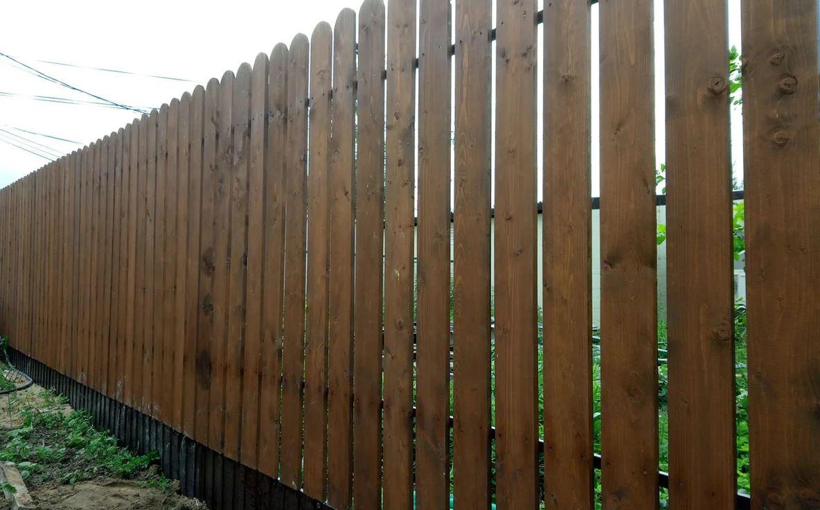 стандартный деревянный забор