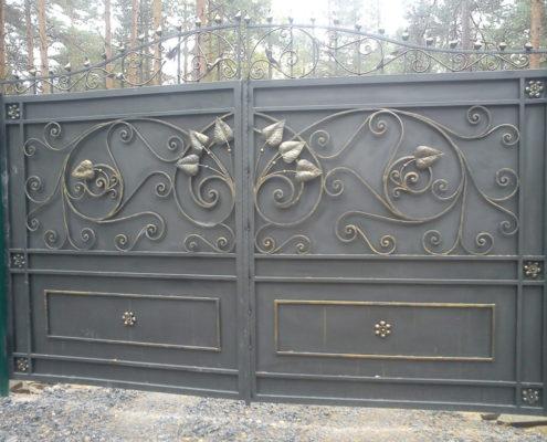 ворота кованые с узором