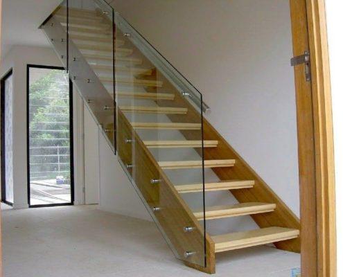 стеклянные ограждения для лестничных проходов