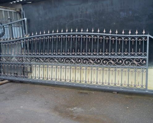 кованные ворота с индивидуальным дизайном