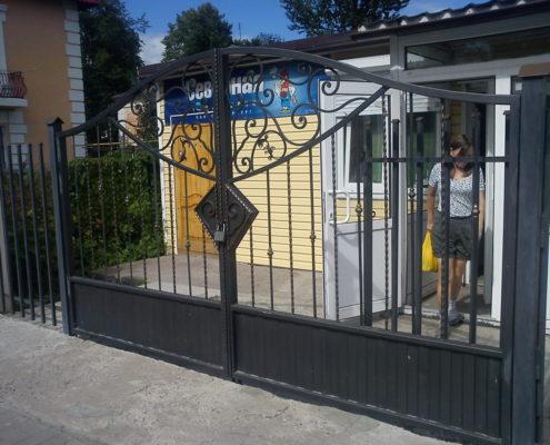 кованые ворот для магазина