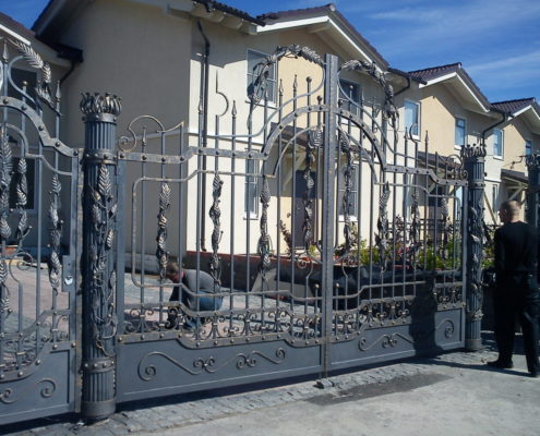 кованые ворота для коттеджа