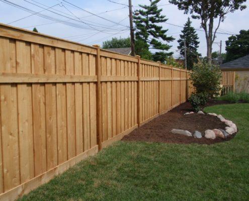 деревянный забор на дачу