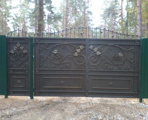 кованые ворота металл