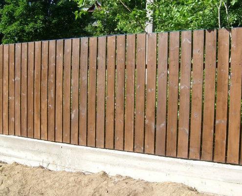 забор с просветами из дерева