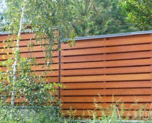 как деревянный забор выдерживает солнце