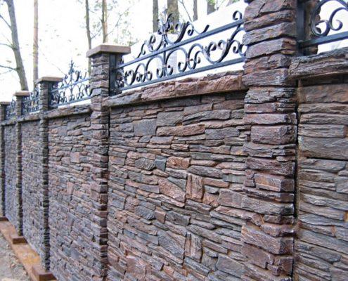 забор имитация камня