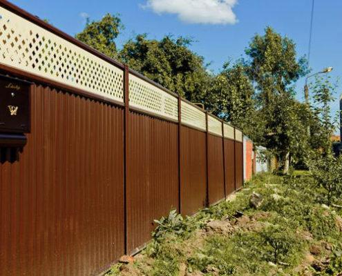 модульный забор на загородном участке