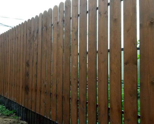 деревянный забор лакированный