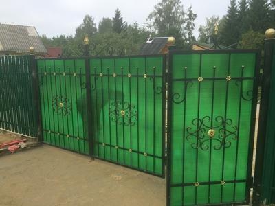 установка двери для забора из поликарбоната