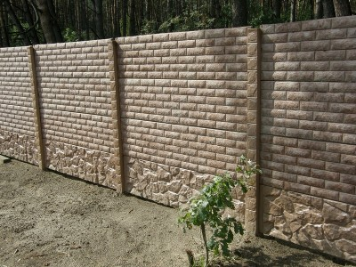 бетонный забор под кирпич