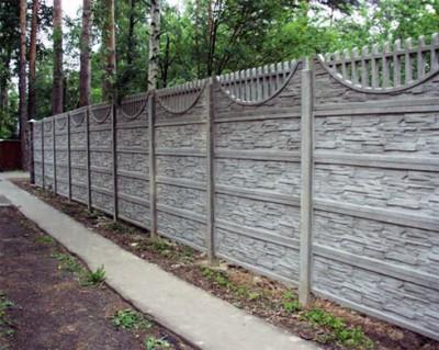 бетонный забор для коттеджа