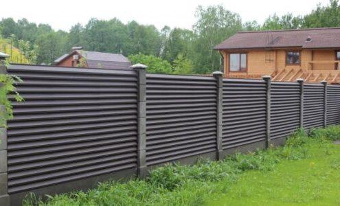 забор жалюзи на даче