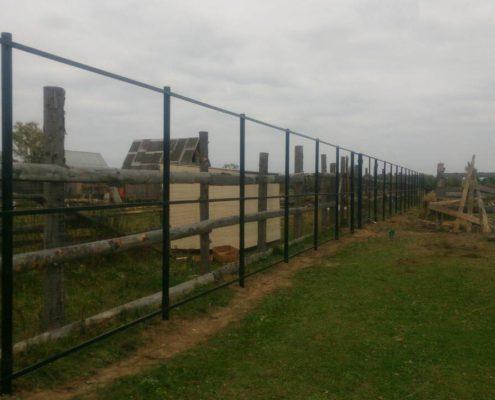 забор на винтовых сваях легкий