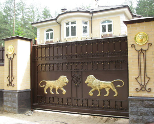 откатные ворота со львом кованые